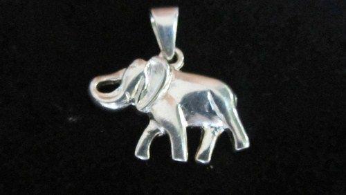 Sterling silver big elephant pendant. www.myfashionjewellry.com www.myjewellry.weebly.com e-mail: mavistar07@gmail.com