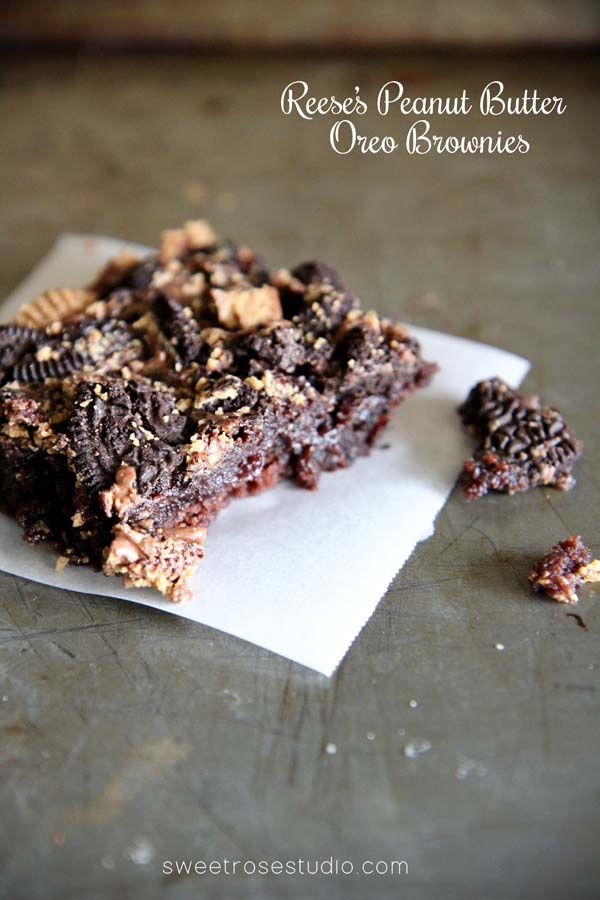 Oh man, these look absolutely delish! Reese's Peanut Butter Oreo Brownies from Sweet Rose Studio would make a yummy dessert for any occasion! #recipe #brownies #yum