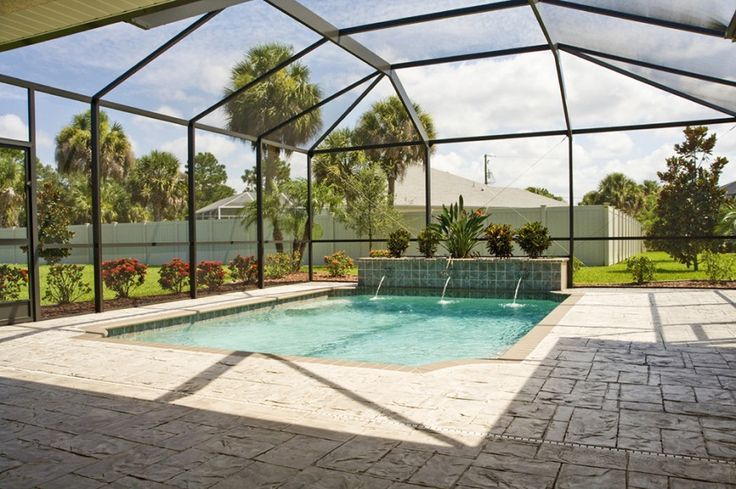 Swimming Pool Ideas It May Be Cold But That Doesnt Mean We Cant Enjoy A Good Splash In The Pool Swimming Pool Enclosures Building A Swimming Pool Cool Pools