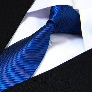 Cravate bleu-roi