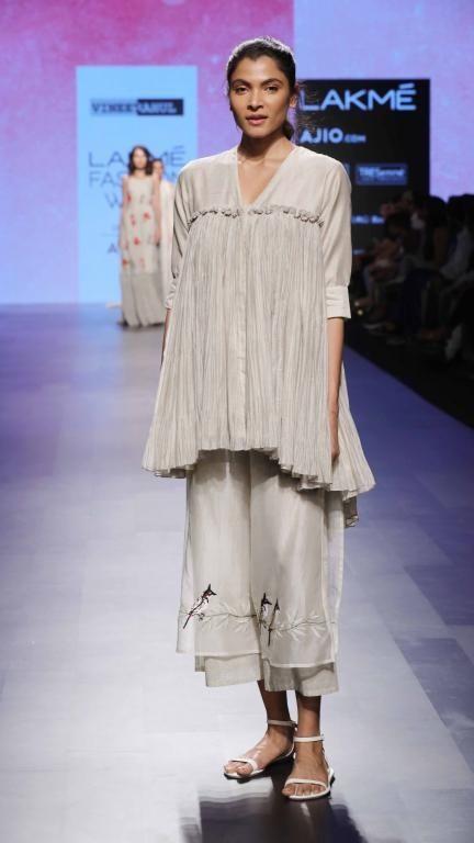 Vineet Rahul - Lakme Fashion Week - SR 17 - 11