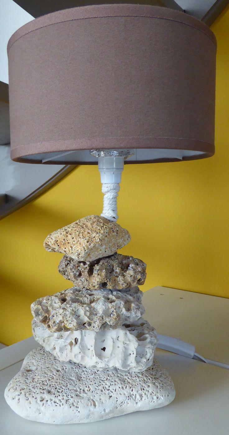 Lampe faite avec des galets