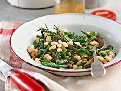 French-style beans - Side dish  A simple, but very popular side dish that is served with an eight-course meat dishes. During the Edwardian era, French cooking was seen as a symbol of your wealth.