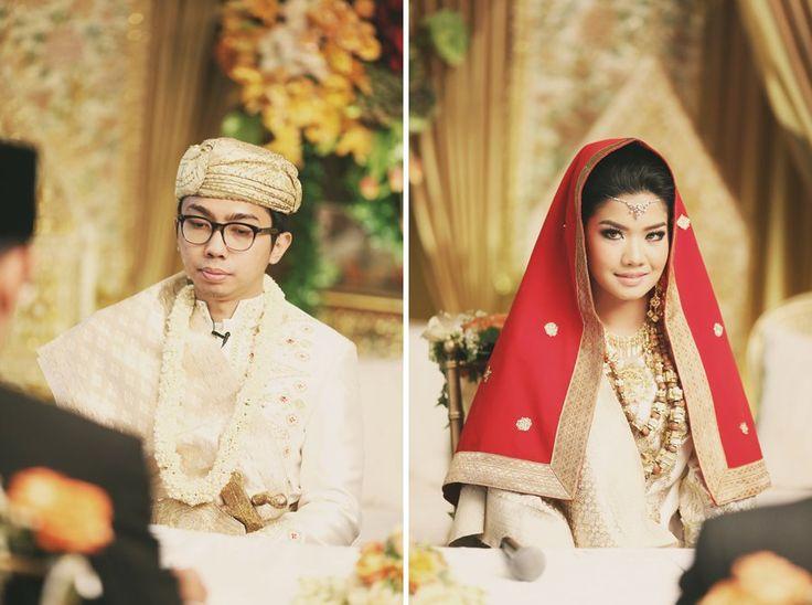 Pernikahan Minang dengan adat Solok. Dekorasi dari Gaia Nata Slaras - www.thebridedept.com
