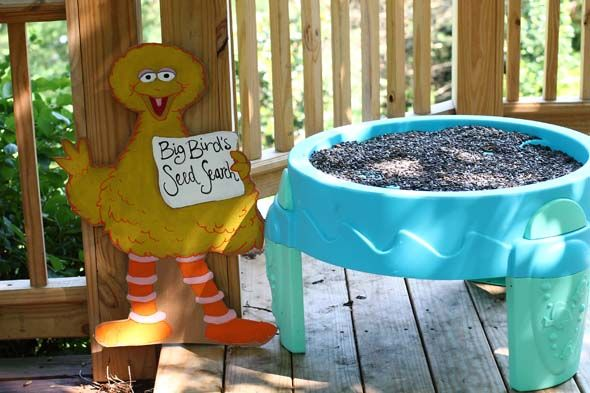 Big Bird's Seed Search for Sesame Street Party