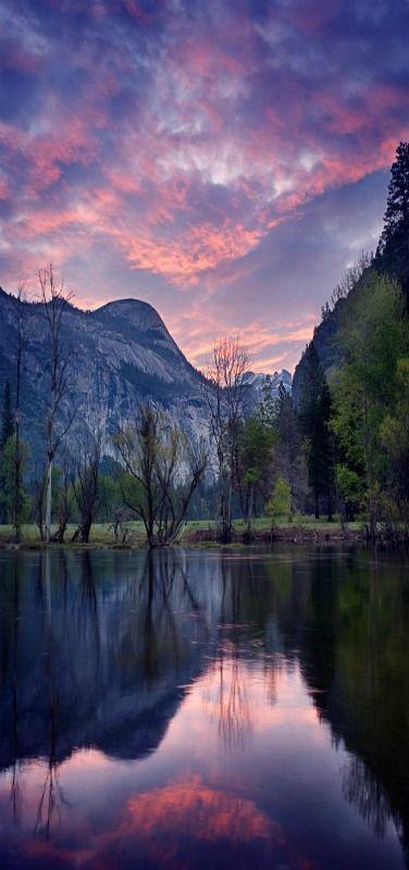 Nascer do sol no Parque Nacional de Yosemite, Califórnia, USA.  Fotografia: Molly Wassenaar.