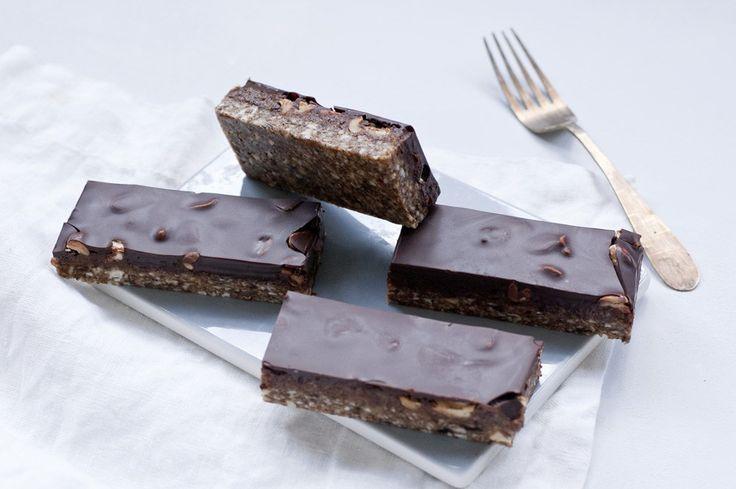 Skal du lave nogle sunde snacks? Så er disse sunde Snickers lige hvad du har brug for. Følg Copenhagen Cakes' opskrift lige her.
