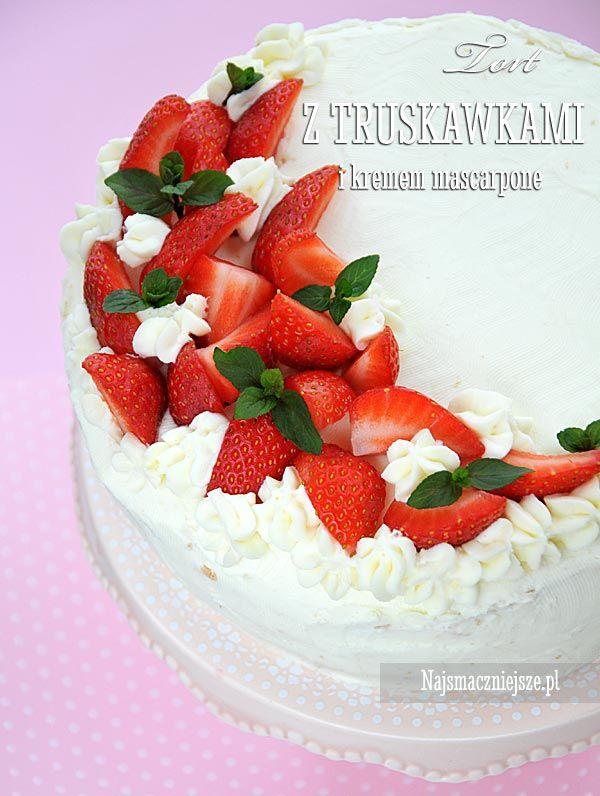 Tort z truskawkami.