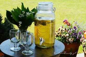 Mrożona zielona herbata. Idealny napój na upalne lato.