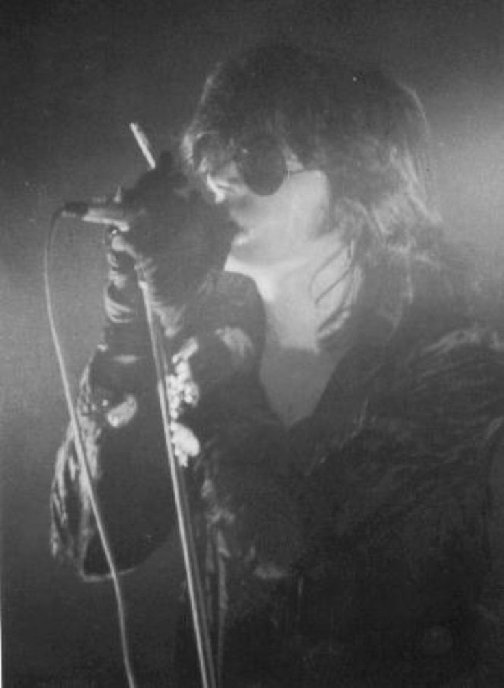 Andrew Eldritch. The Sisters of Mercy.