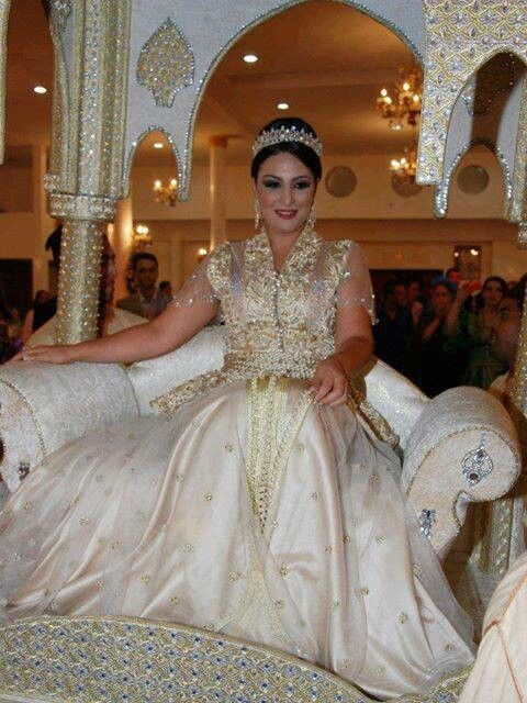 Matrimonio In Morocco : White and gold wedding sweetheart corset ballgown dress