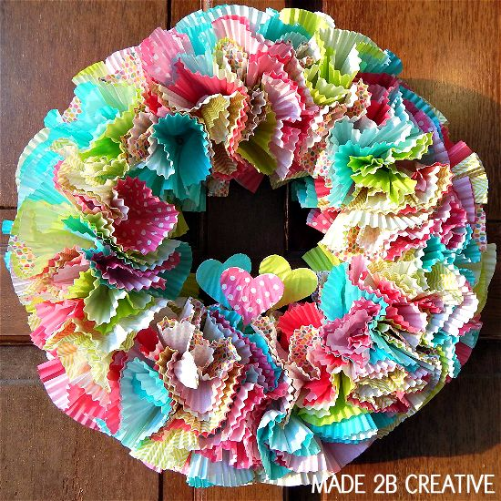 Hey Cupake Liner! I've been wanting to make one of those cupcake wreaths that float around Pinterest so this past weekend I finally gave it a try. I bought the Wilton cupcake liners from the Valentine