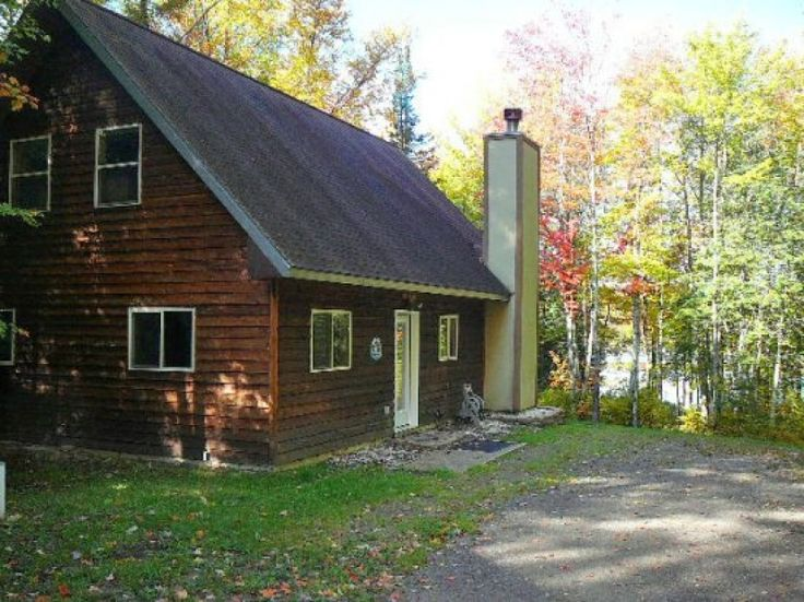 Pet friendly lodge with furnished kitchen right on ATV trails.