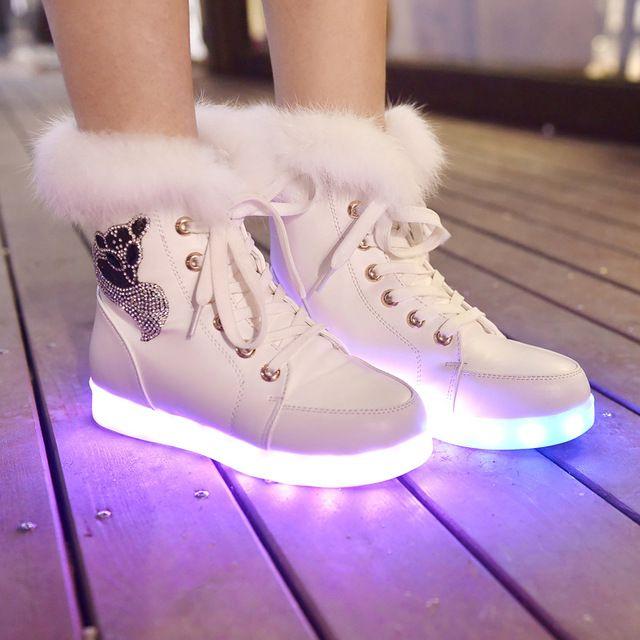 Vrouwen led schoenen 2016 Lichtgevende Schoenen Hoge Kwaliteit Led-verlichting Kleurrijke Schoenen vrouwen Casual Schoenen Konijn Haar Snowboots