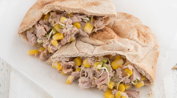 Tuna and Sweetcorn Pitta Pockets. Did you know that fish such as tinned tuna or…