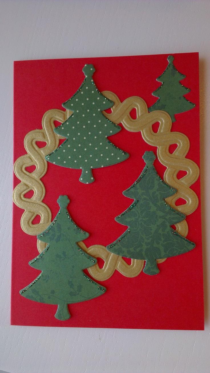 juletræer og krans lavet med dies
