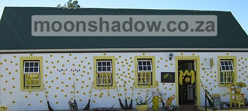 Weekend in #Swellendam? Come & enjoy #Moonshadow's Gift Shop & Coffee Garden! (Murray Street; http://moonshadow.co.za/contact-us/) pic.twitter.com/bxuEDFyk95