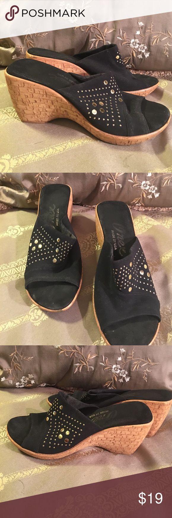 Onex black slip on sandals 6M Onex slip on sandals onex Shoes Sandals