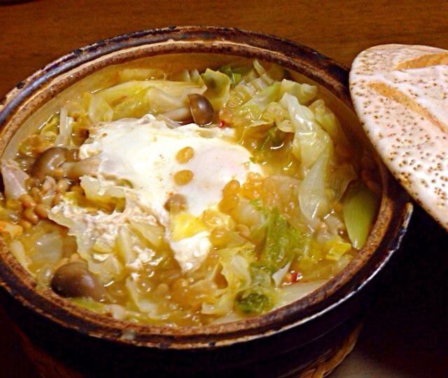 見た目は悪いけど… 納豆、キムチに野菜とキノコどっさりあかれて作った具だくさんスープ♡ お腹いっぱーい☻だし、ヘルシー♡ - 9件のもぐもぐ - 納豆キムチ具だくさんスープ by Sugar