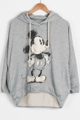 Cupshe Stuck On You Cartoon Hooded Sweatshirt; Mickey Mouse sweatshirt; womens fall fashion {affiliate link}