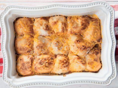 Braaibolletjies met roomsous en kaas. Dis selfs nog lekkerder as die klassieke braaibroodjie.