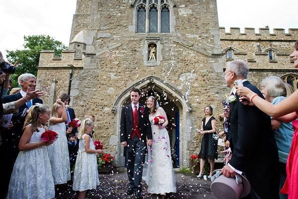 Your wedding exit will be such a special moment! You will be newlyweds, and your guests can celebrate with you by tossing confetti, illuminating sparklers, or blowing bubbles.  #weddingexit #exit #wedding #confetti #bubbles #sparklers #ravenluxuryevents  Photo Source: https://www.flickr.com/photos/wedding-photography-by-jonathan-day/3531311982/