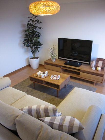 人気のタモ無垢材と一部ウォールナット無垢材を合わせた家具「Pocket」シリーズでリビングダイニングをコーディネートした納品実例をご紹介します!