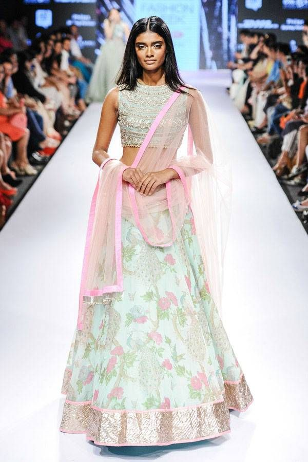 127 best Desi images on Pinterest | Indian suits, Indian wear and ...
