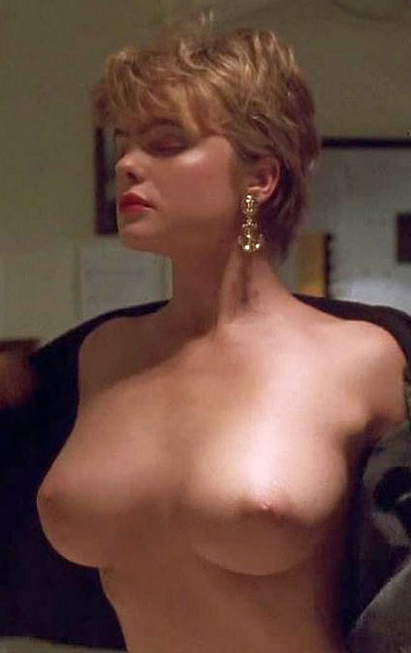 erika eleniak fake nude photo