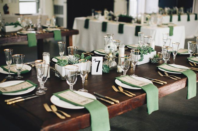 La Tavola Fine Linen Rental: Tuscany Emerlad Napkins   Photography: Hugh Forte, Event Design + Planning: Beau & Arrow Events, Floral design: Tend Living
