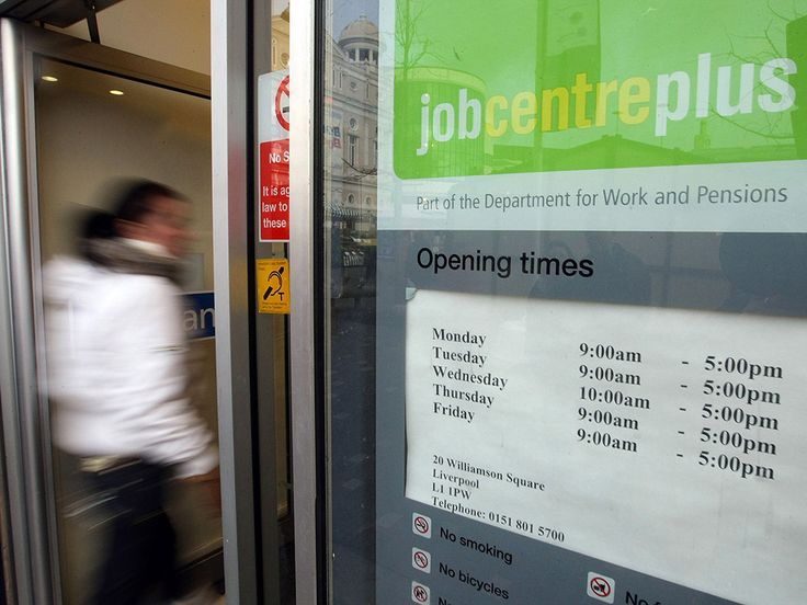Delays in processing benefit payments left tens of thousands of people exposed to hardship in the past year, with some waiting weeks on end without state support, newly released official figures show.