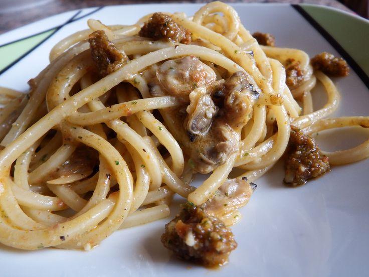 #spaghetti #spaghettirecipes #clams #drytomato #pesto #eat #food #foodporn #eating #italianrecipe #instafood #instagood #pasta #foodgasm #foodpics #yum #yummy #dinner #lunch #tagsforlikes