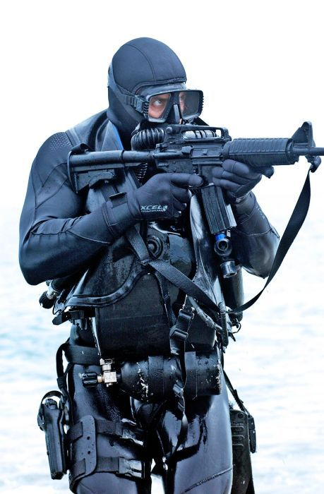 17 best images about warriors present western on pinterest snipers soldiers and warfare - Navy seal dive gear ...