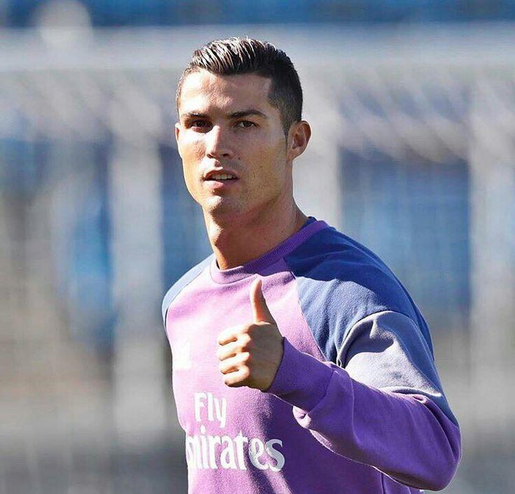 Ronaldo frisur narbe  Stilvolle frisur website foto blog