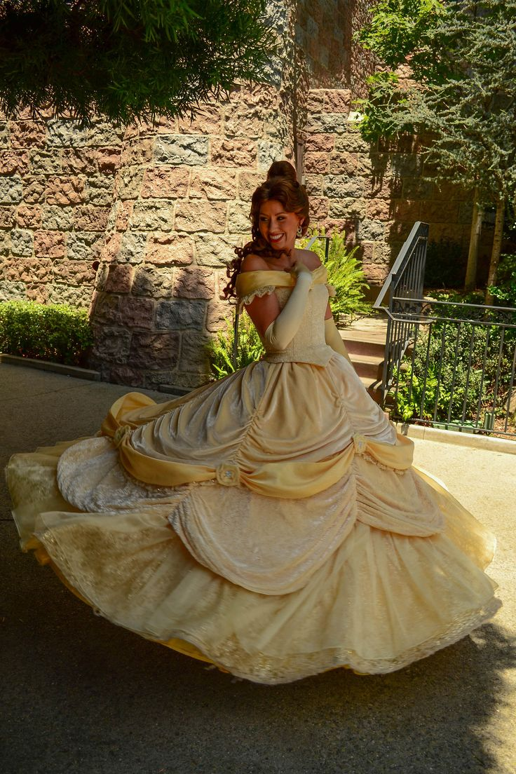 BELLE!!! BEST PRINCESS EVER!!!