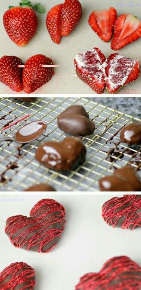Dulce corazón de San Valentín hecho en base a fresas y chocolate. ¡Una combinación genial!