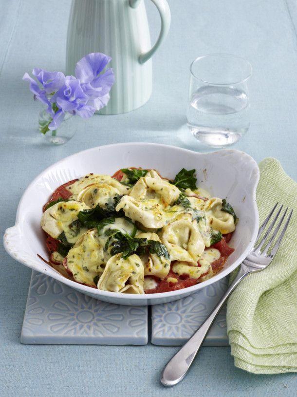 Unser beliebtes Rezept für Überbackene Tortelloni mit Spinat und mehr als 55.000 weitere kostenlose Rezepte auf LECKER.de.