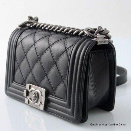Chanel Boy's bag in black calfskin