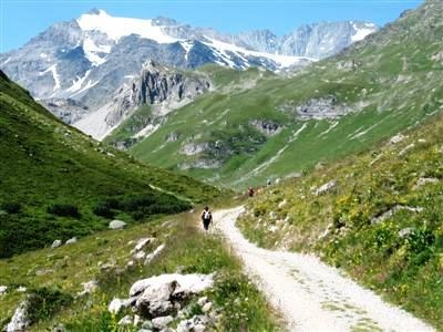 Heading up the Chavière Valley towards the Aiguille de Polset in the Vanoise National Park