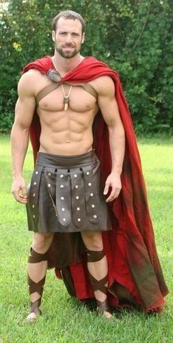 Spartacus :-) | MEN BORN TO WEAR KILTS :-) | Pinterest | 300 Workout ...