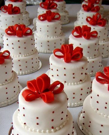 Mini Wedding Cakes W Red Bows And Polka Dots