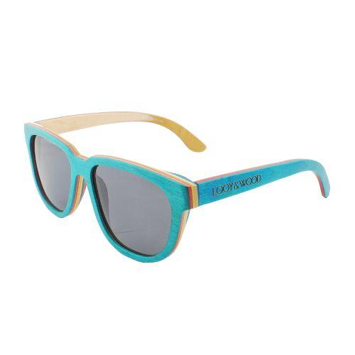Toffe look? Check. Stevig in gebruik? Check. Onze houten zonnebril Irawan heeft het allebei. Het gebruik van het speciale Skateboard hout zorgt voor deze speciale verschijning. Er worden namelijk 4 verschillende lagen van dit gekleurde hout gebruikt. Verder hebben de brillen hebben naar buiten verende scharnieren. Hierdoor zal de bril bijna iedereen goed passen!  http://www.looyenwood.nl/product/houten-zonnebril-irawan/