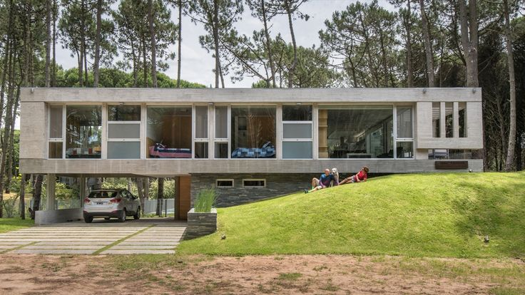 Gallery of Kuvasz house / Estudio Galera - 7