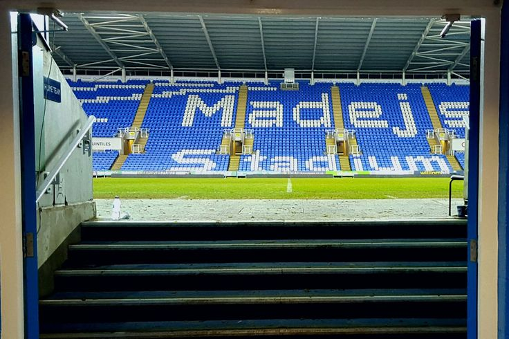 Reading FC Starlet Omar Richards Signs Long-Term Contract