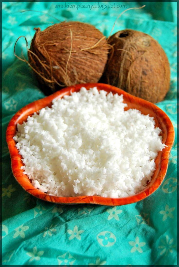 Smakiem Pisany: apetyczny, aromatyczny, kulinarny blog: Jak otworzyć kokosa? / Domowe wiórki kokosowe