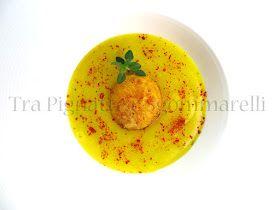 Tra pignatte e sgommarelli: Le mie ricette - Tuorlo d'uovo fritto, con crema di patate allo zafferano e polvere di peperone rosso