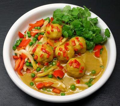 boller i karry med ekstra mange grøntsager - Klidmoster blog