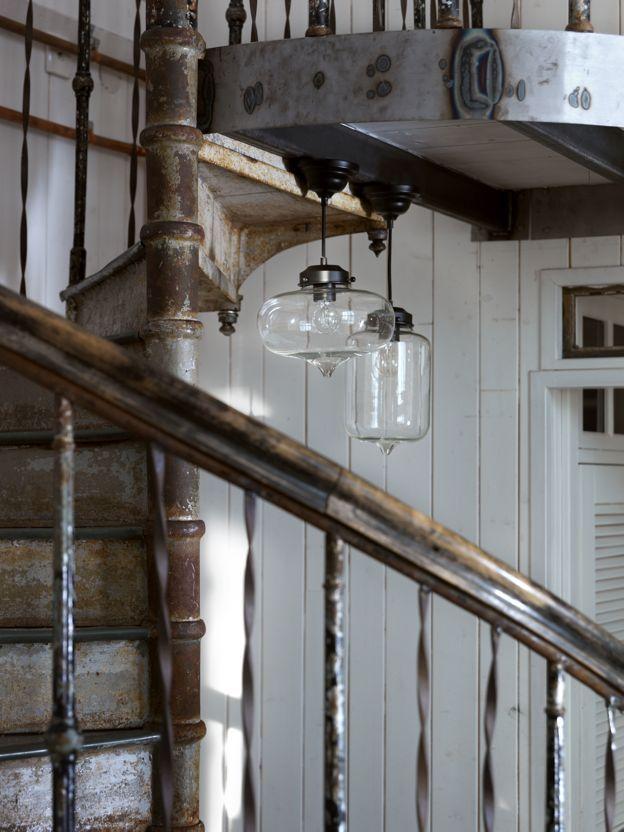 Bonjour och Merci, glaslampor att älska, från vår tillverkare Lyktan-Bankeryd Belysning. Pris Merci på EM.com