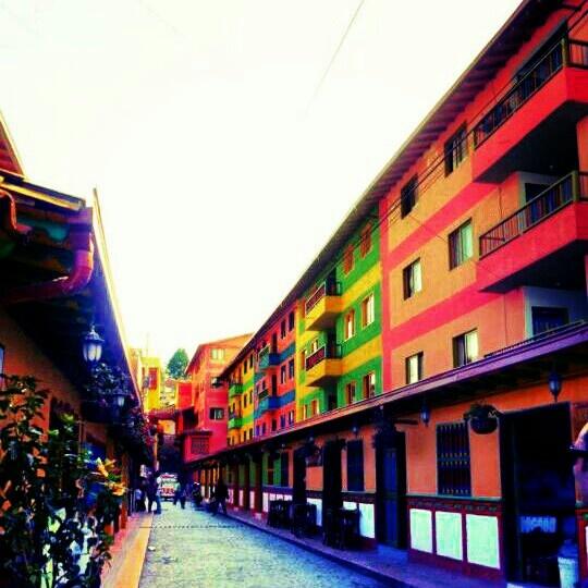 Vivienda de Interes social. Guatape, Antioquia