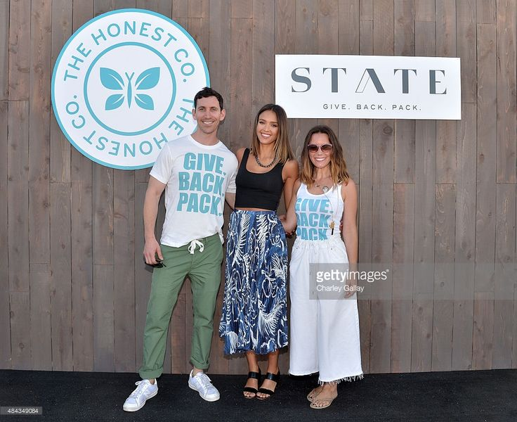The Honest Company's Jessica Alba (C), Scot Tatelnan (L) and Jacq Tatelnan (R) with STATE Bags celebrate back to school with kids entering Kindergarten on August 17, 2015 in Arleta, California.